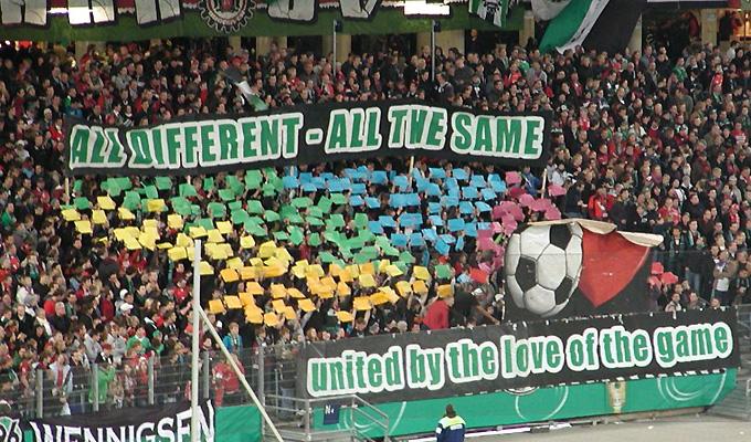 Aktion der Hannover 96-Fans gegen Rechts im Rahmen der FARE-Aktionswochen 2011