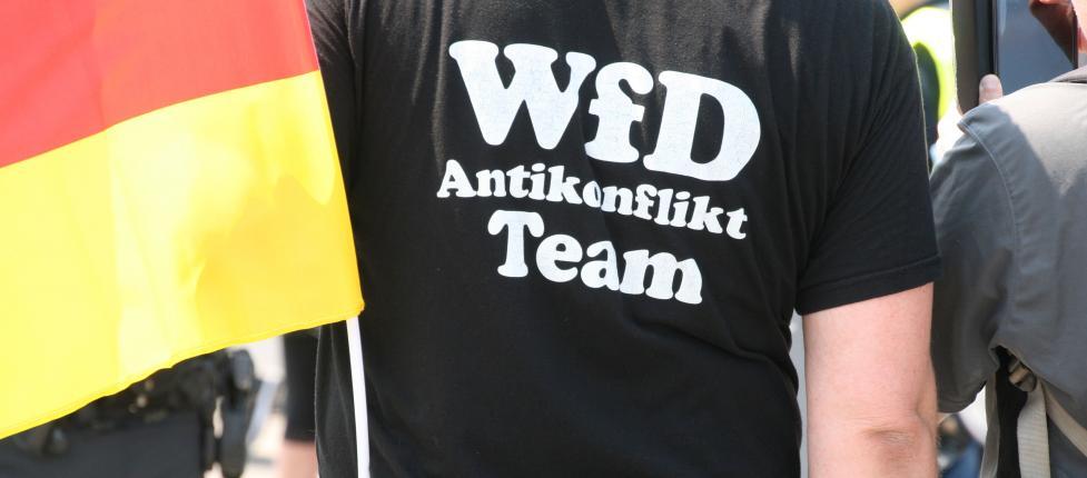 7133e5094b89 Rechtsextreme Demo will am Tag der Deutschen Einheit durch Berlin  marschieren